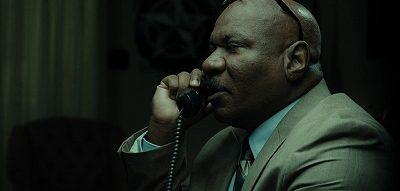 「デンジャー・コール」黒幕の所長